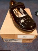 NEW AND BOXED CLARKS ETCH SPARK UK12