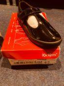 NEW AND BOXED BLACKS KICKERS UK 12