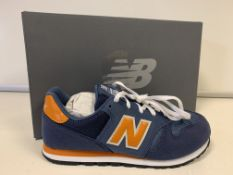 (NO VAT) 4 X BRAND NEW CHILDRENS NEW BALANCE NAVY TRAINERS SIZE J4