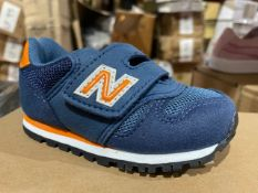 NEW & BOXED NEW BALANCE VELCROW TRAINERS NAVY SIZE INFANT 5