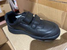 NEW & BOXED CLARKS BLACK SHOE SIZE INFANT 7