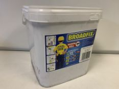 20 x NEW SEALED BOXES OF APPROX. 200 BROADFIX LEVELLING PAILS. RRP £19 PER BOX (APPROX. 4,000