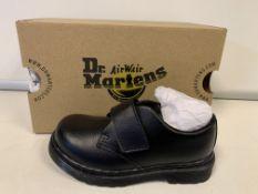 (NO VAT) 5 x NEW BOXED PAIRS OF DR MARTINS KAMRON T BLACK KIDS SHOES. SIZE INFANT UK 7