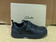 (NO VAT) 3 X BRAND NEW CLARKS APOLLO STEP SHOES SIZE I8