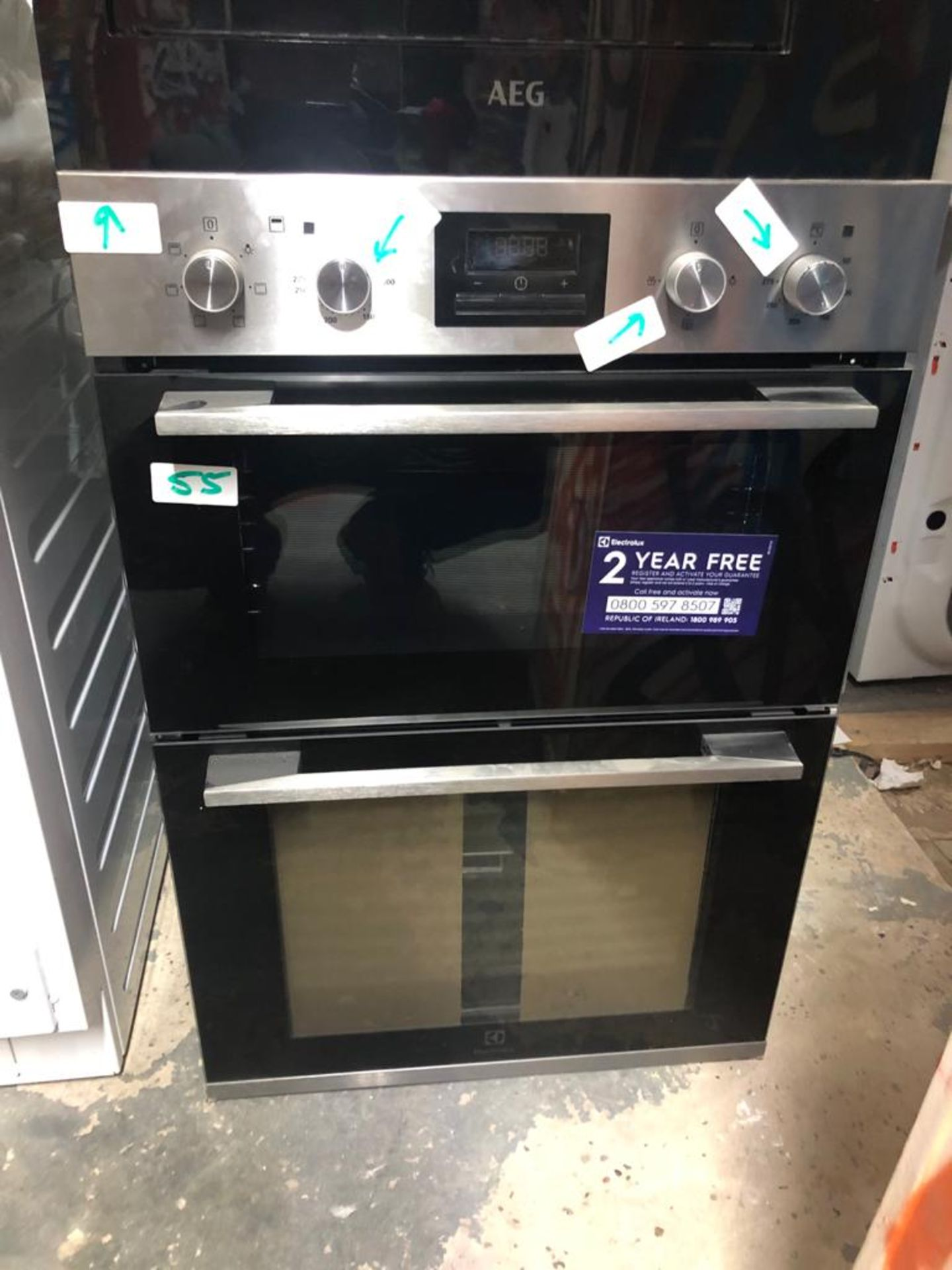 NEW/GRADED AND UNPACKAGED Electrolux KDFGE40TX Built In Electric Double Oven (Multiple light