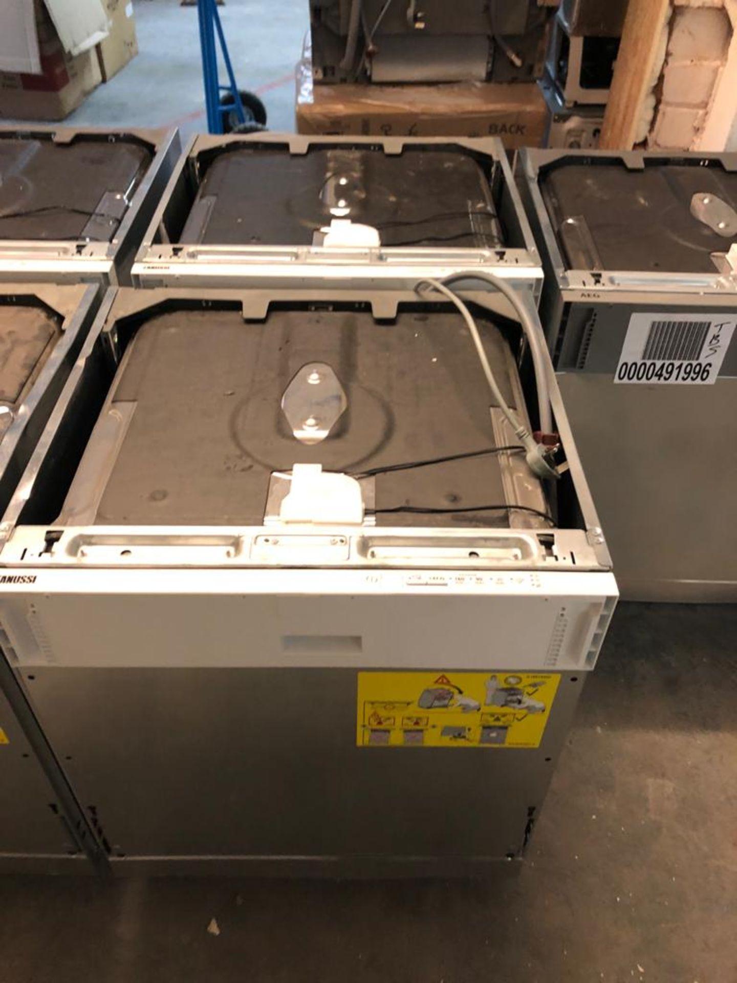 BRAND NEW UNPACKAGED Zanussi ZDLN1511 Integrated Dishwasher