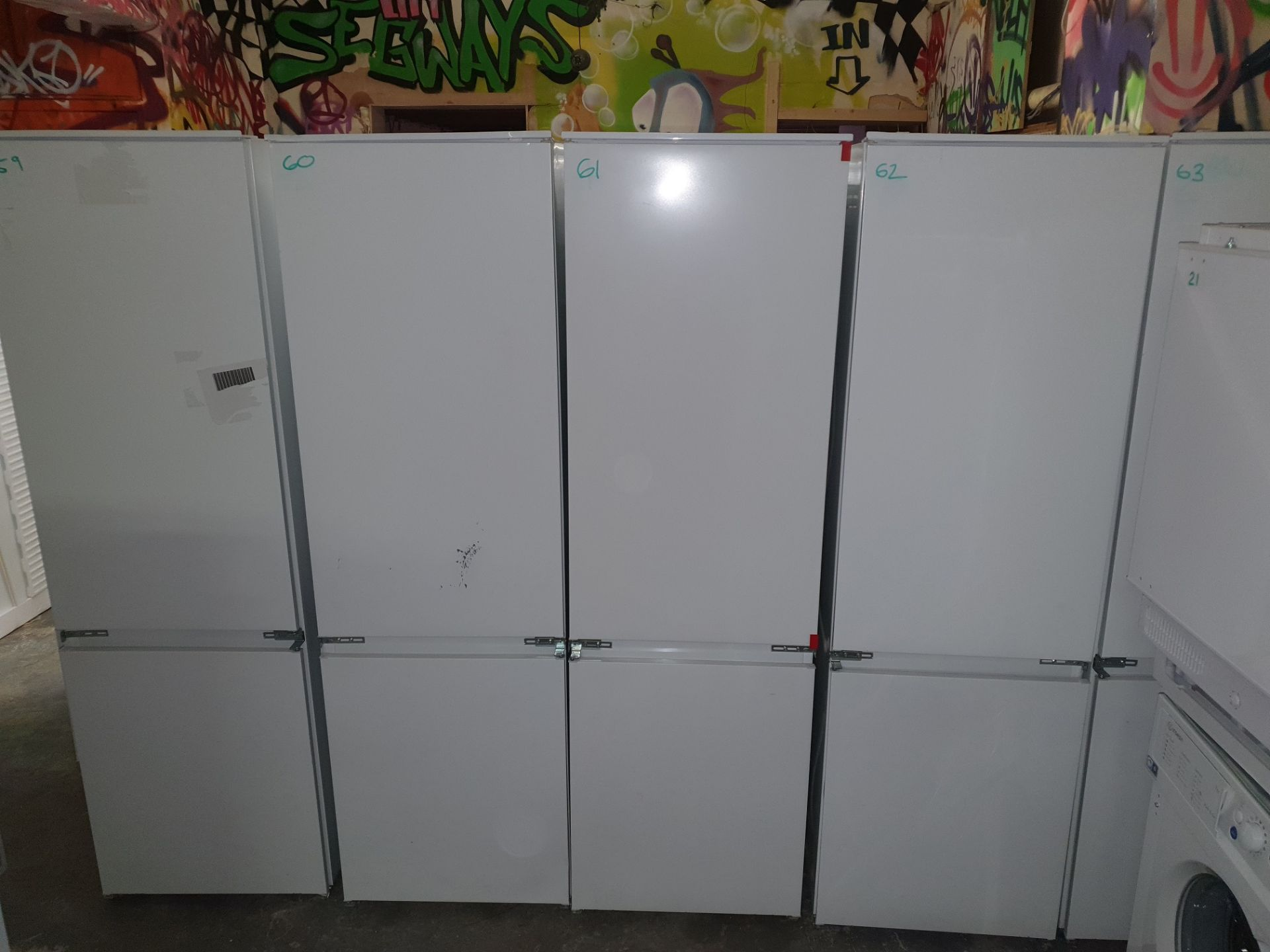 NEW/GRADED AND UNPACKAGED Prima Plus PRRF700 Built In Frost Free Fridge Freezer (Brand new slight - Image 2 of 14
