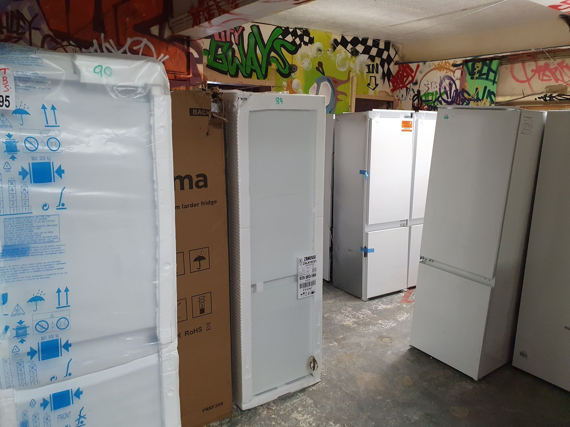 NEW/GRADED AND UNPACKAGED Beko BSCD150 Integrated 50/50 Fridge Freezer (Brand new slight external - Image 7 of 14