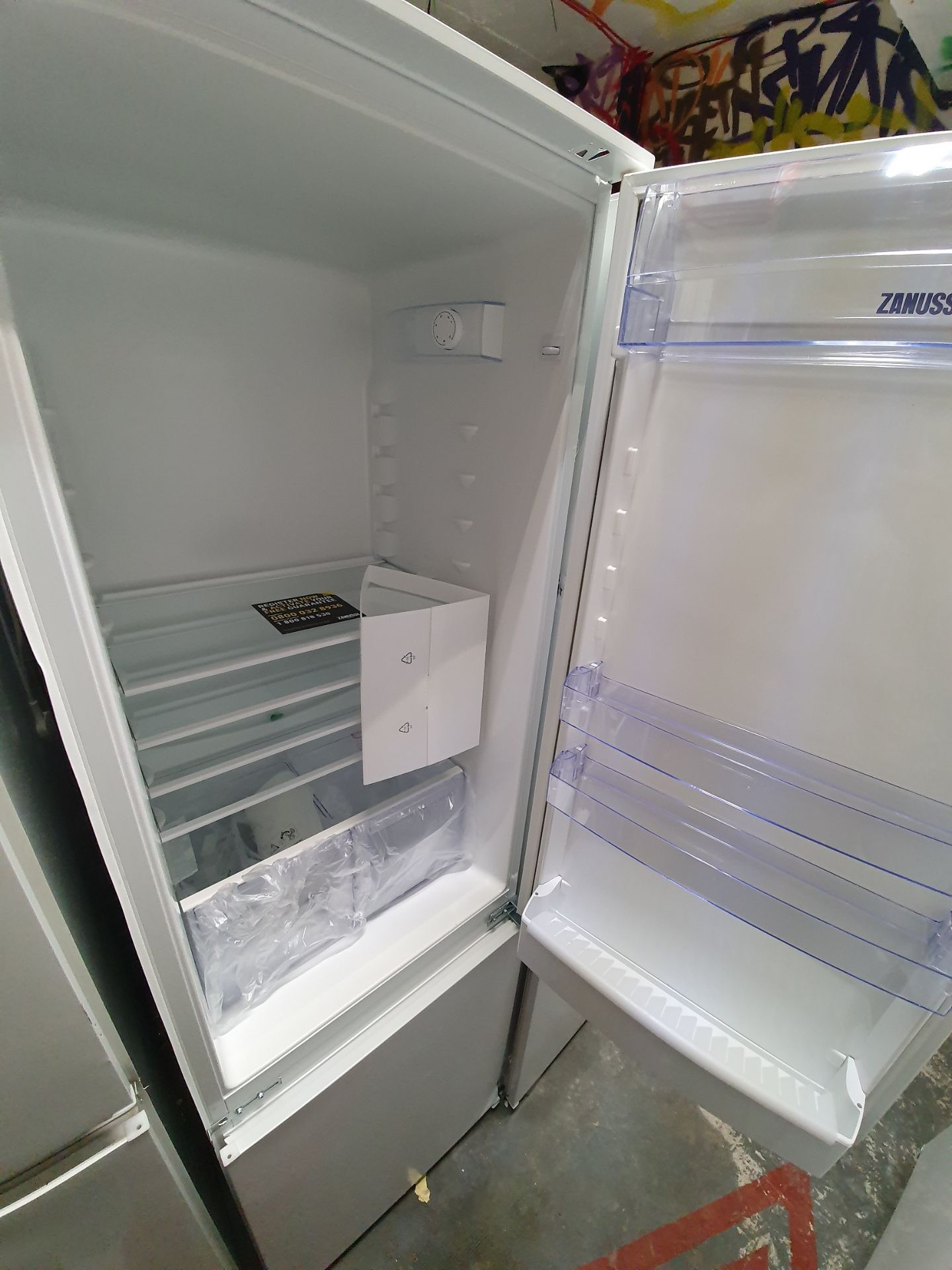NEW/GRADED AND UNPACKAGED Zanussi ZBB28441SV Integrated 70/30 Fridge Freezer (Brand new slight - Image 9 of 14