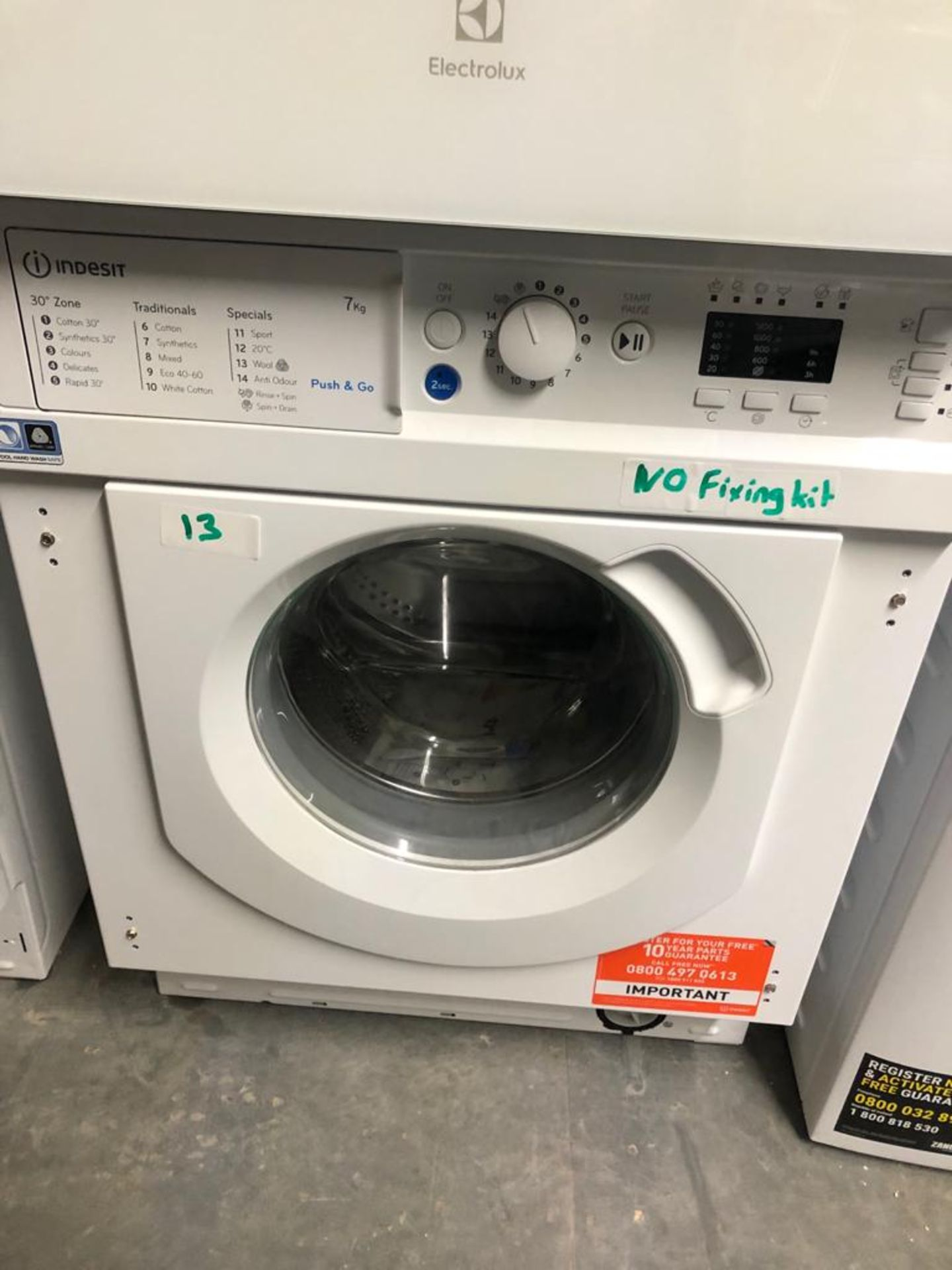 NEW/GRADED AND UNPACKAGED Indesit BIWMIL71252UK Built-In Slim Depth Washing Machine (Missing
