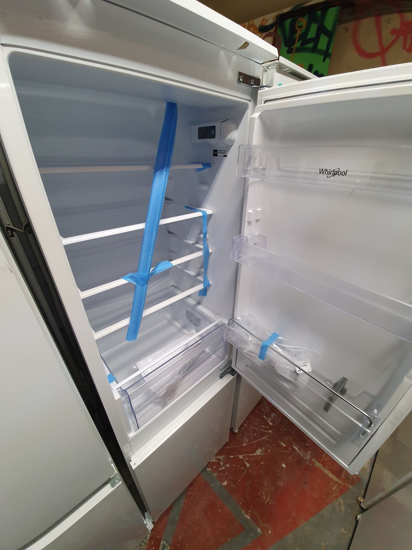 NEW/GRADED AND PACKAGED Indesit EIB15050A1D Integrated Fridge Freezer, 50/50 (Slight external - Image 10 of 14