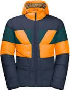 (27) BOX LOT TO INCLUDE 6 ITEMS: 2X Jack Wolfskin Mens 365 Getaway Down Jacket [Colour: Atlantic