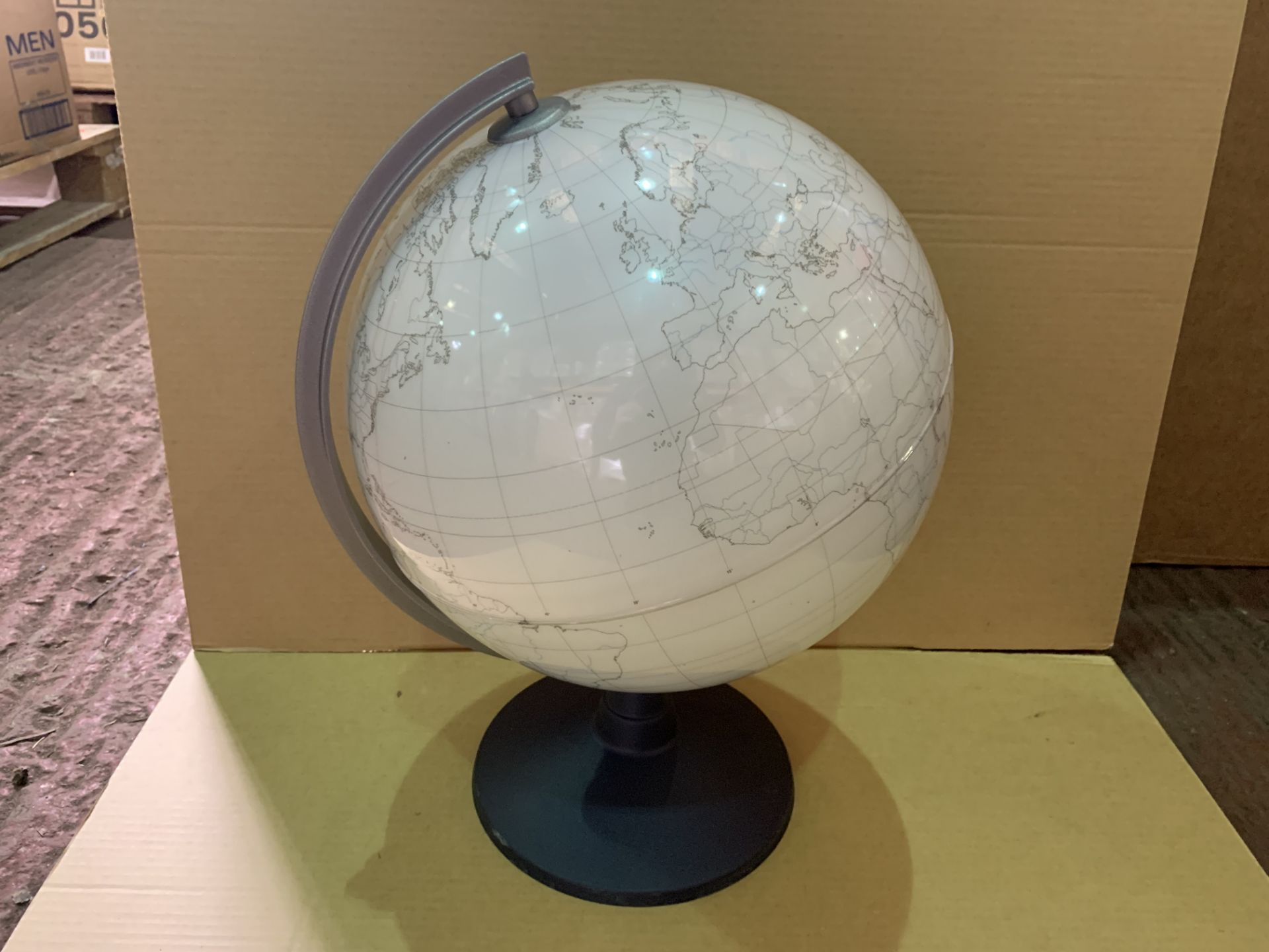 13 X BRAND NEW DRY WIPE 30CM COLOUR YOUR OWN GLOBES