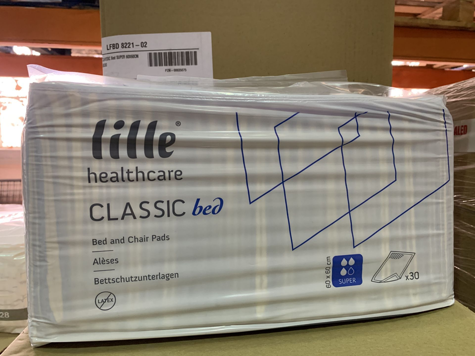 36 X BRAND NEW PACKS OF 30 LILLE HEALTHCARE CLASSIC BED AND CHAIR PADS IN 6 BOXES (573/27)