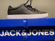 NEW & BOXED JACK & JONES TRAINERS SIZE JUNIOR 1 (321 UPSTAIRS)