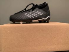 NEW & BOXED ADIDAS FOOTBALL BOOTS SIZE INFANT 10 (204 UPSTAIRS)