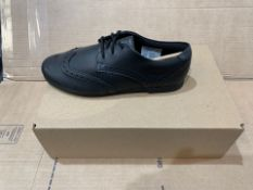 1 X NEW & BOXED CLARKS SHOES PG417102 SIZE 4 (100/28)
