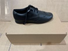 1 X NEW & BOXED CLARKS SHOES PG417101 SIZE 3 (101/28)