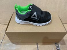 1 X NEW & BOXED REEBOK TRAINERS YD188603 SIZE INFANT 5 (124/28)
