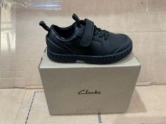 1 X NEW & BOXED CLARKS SHOES PG397602 SIZE INFANT 8 (120/28)