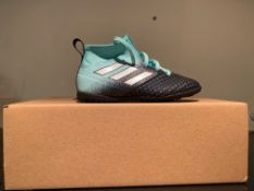 NEW & BOXED ADIDAS TRAINER SIZE INFANT 9 (195 UPSTAIRS)