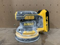 DEWALT DCW210 TYPE 1 BRUSHLESS SANDER COMES WITH BATTERY (UNCHECKED)
