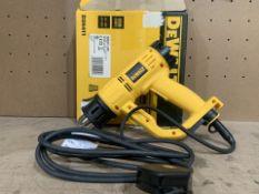 DEWALT D26411-GB 1800W ELECTRIC HEAT GUN 240V COMES WITH BOX (UNCHECKED) (5/27)
