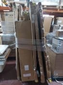 (W6) PALLET TO CONTAIN A LARGE QTY OF VARIOUS BATHROOM ITEMS TO INCLUDE 1400MM WETROOM PANELS,