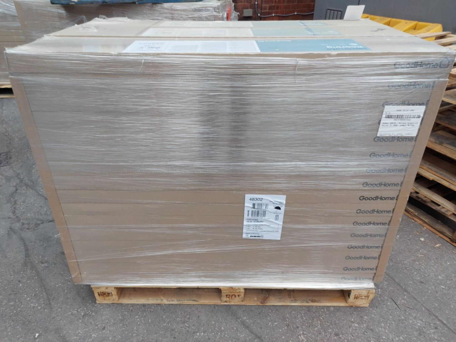 PALLET TO CONTAIN 48 NEW SEALED PACKS OF GOODHOME LEDBURY LIGHT BROWN OAK EFFECT 10MM LAMINATE - Image 2 of 5