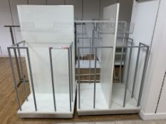 MIXED LOT INCLUDING 8 X RAILINGS AND 2 X DOUBLE SIDED DISPLAY CAGES