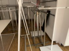 APPROX 25 X ASSORTED RAILING STANDS IN VARIOUS STYLES AND SIZES