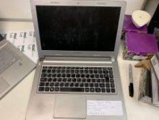 LENOVO M30-70 LAPTOP, INTEL CORE i3-4030U, 500GB HARD DRIVE ( DATA WIPED ) WITH CHARGER