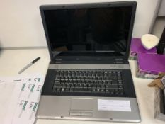 """ADVENT 9117 LAPTOP, WINDOWS 10, 17"""" SCREEN ( LINE ON RIGHT SLOT OF SCREEN ) WITH CHARGER"""