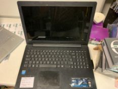 ASUS X553M LAPTOP, WINDOWS 10, 1000GB HARD DRIVE, 3 MARKS ON SCREEN WITH CHARGER