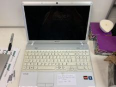 SONY VPCEE2EIE LAPTOP, 320GB HARD DRIVER ( DATA WIPED ) WITH CHARGER