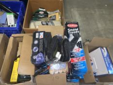 APPROX 100 PIECE MIXED LOT INCLUDING SNOW TREADS, WINTER CAR KITS, CLOTHS, ICE SCRAPERS ETC S1
