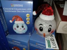 NEW BOXED 10 X COLOUR CHANGING LED SNOWMAN DECORATION (REQUIRES 3xLR44 BUTTON CELL BATTERIES) - PCK