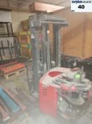 Raymond RWR300 electric forklift *for parts *no fork