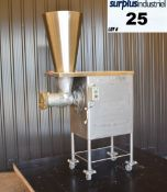 BUTCHER BOY A52 MEAT GRINDER Item Location : Laval -MODEL: A52 100H -CAPACITY: UP TO 7000 LBS PER