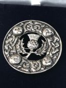 Large silver Celtic Scottish pin brooch measures approx 4.5cm dia