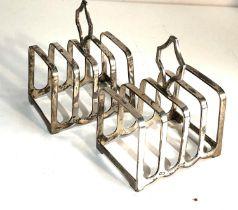 Pair of walker & hall silver toast racks weight 140g
