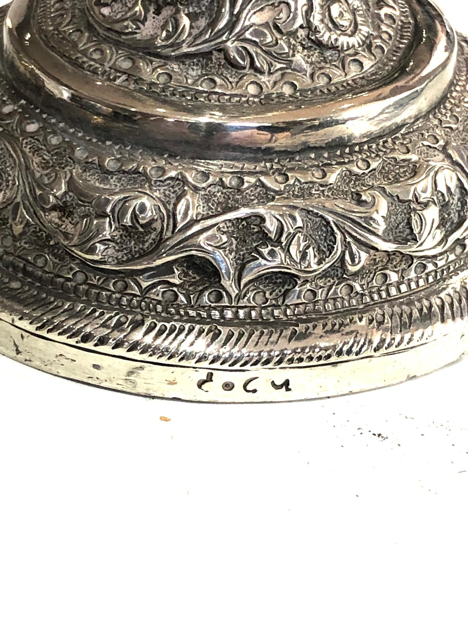 Fine Indian ornate Repousse floral vases each measures approx height 23cm filled bases total - Image 6 of 6