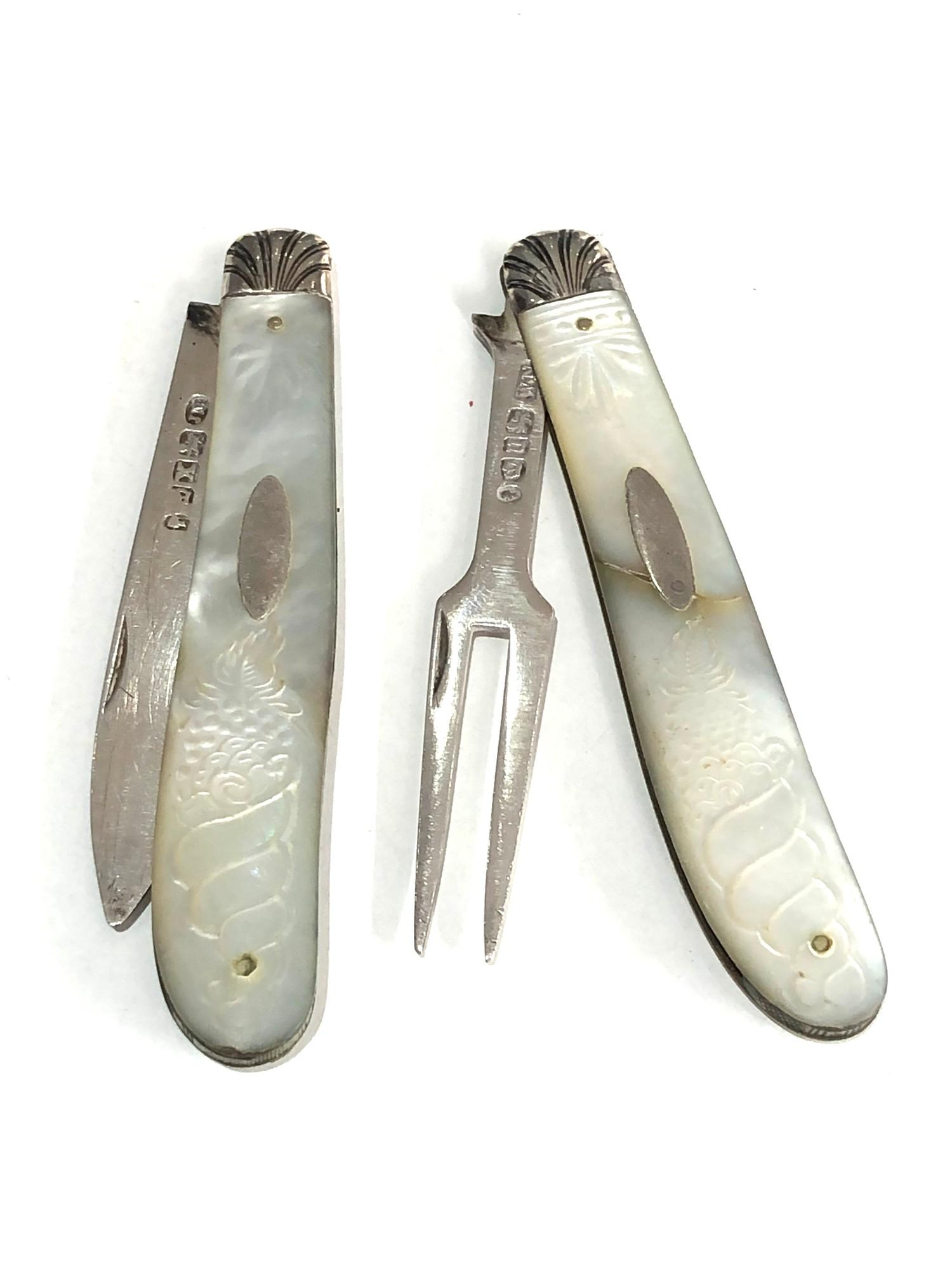 Antique silver & mop knife and fork both have victorian silver hallmarks matching mop handles with - Image 2 of 6