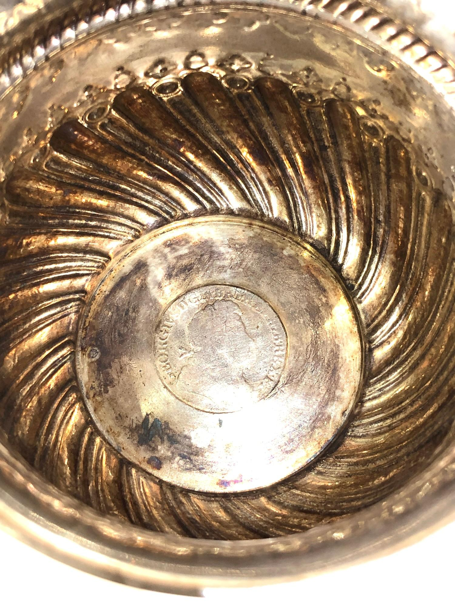 Antique victorian silver bowl with coin insert measures approx 9cm dia height 6.2cm London silver - Image 4 of 6