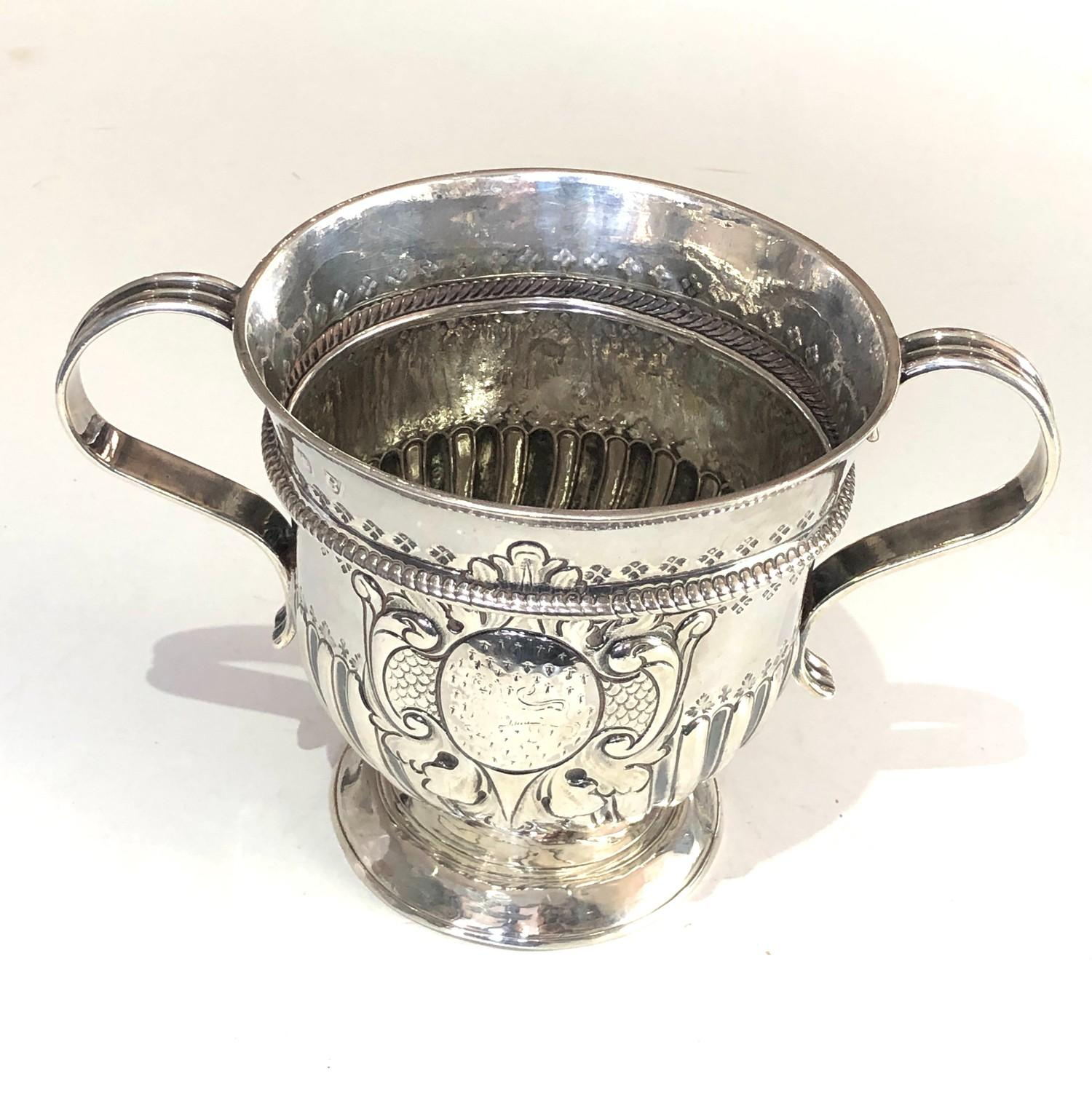 Rare George 1 silver Porringer full london silver hallmarks date letter B for 1717 measures approx - Image 2 of 9