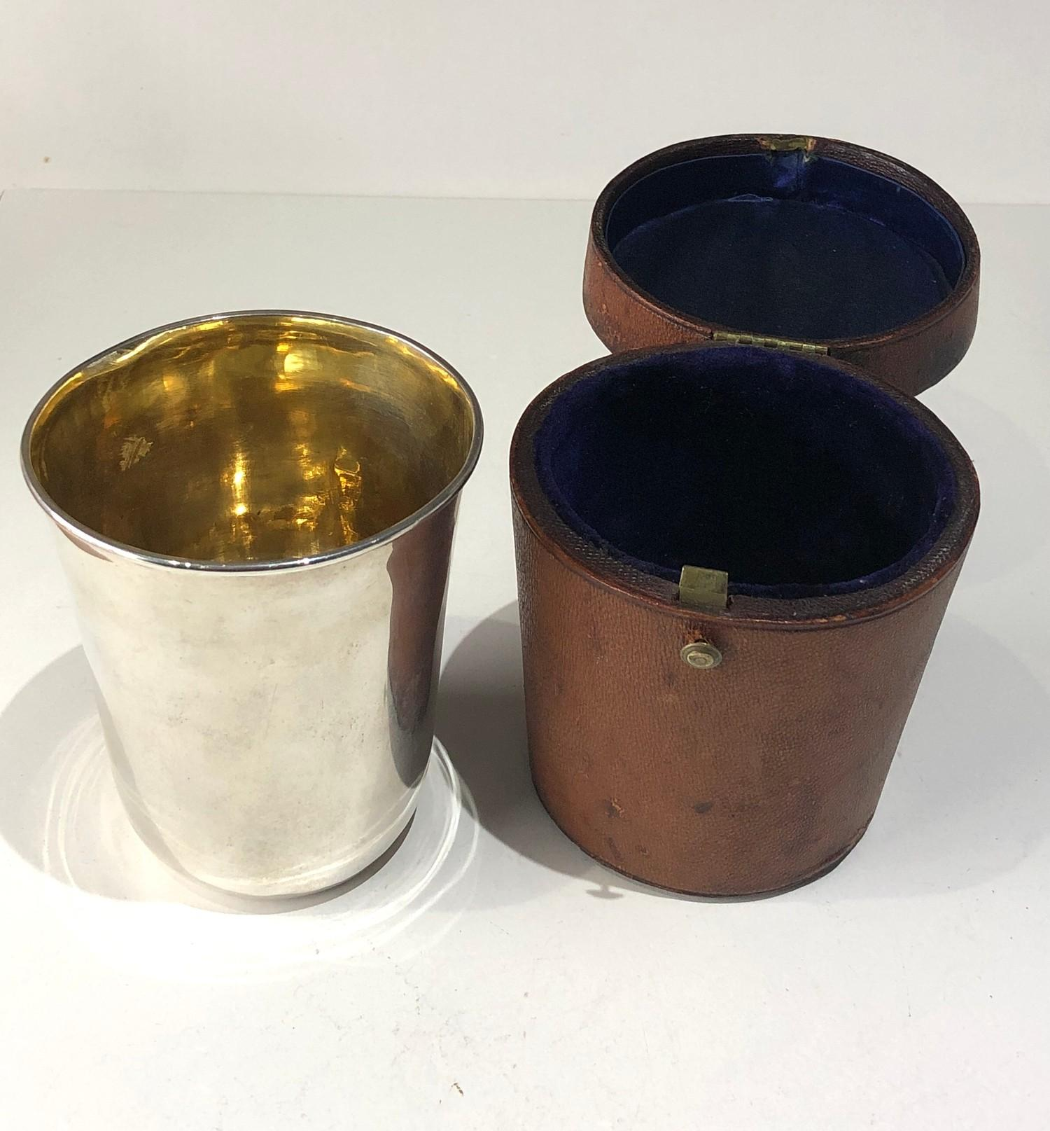 Rare antique Georgian silver leather cased beaker beaker measures approx 9cm high by 7.6cm dia at - Image 2 of 6