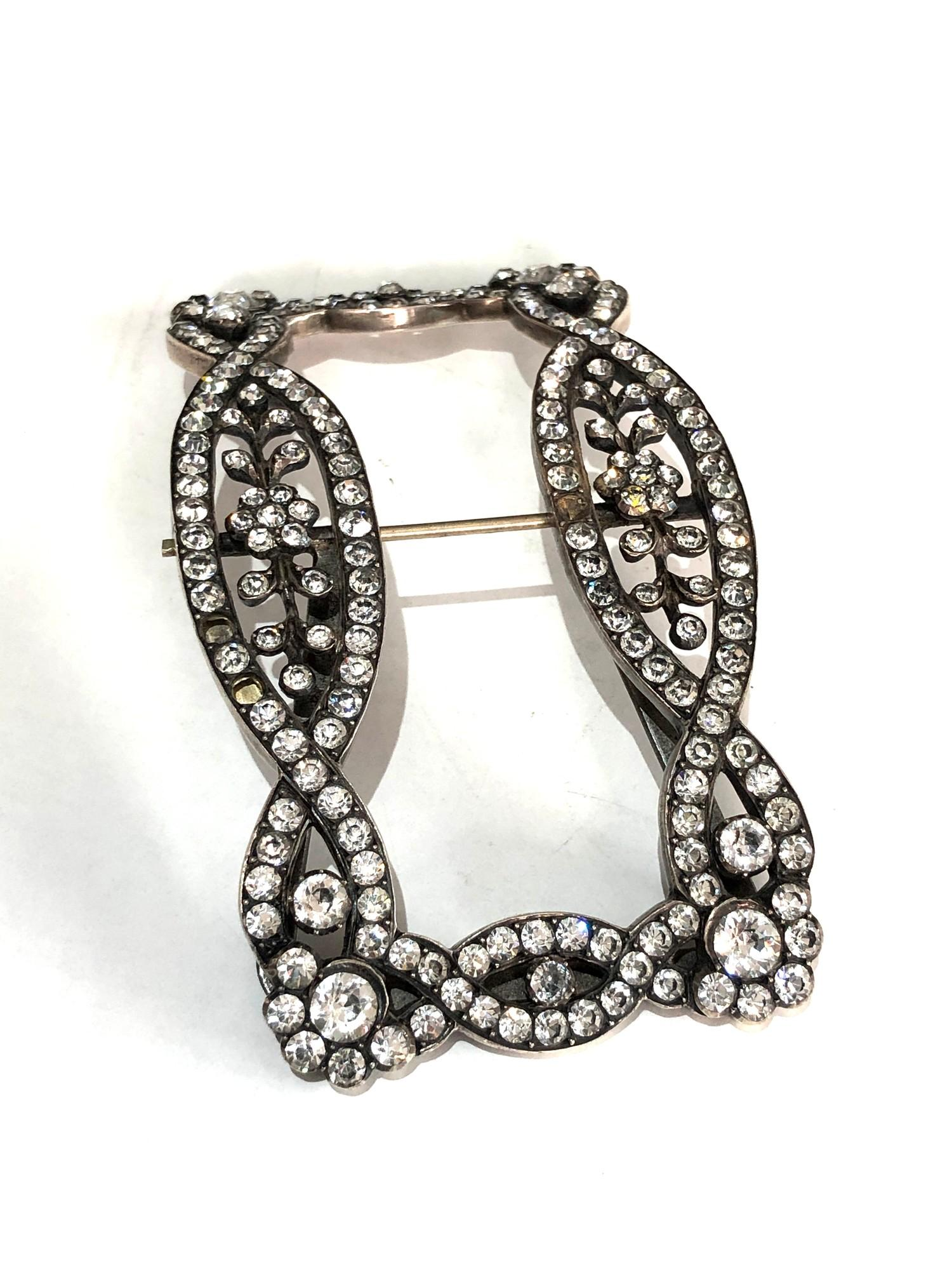 An early 19th century silver and paste buckle measures approx 10.5cm by 6.2cm missing 2 paste stones - Image 2 of 5