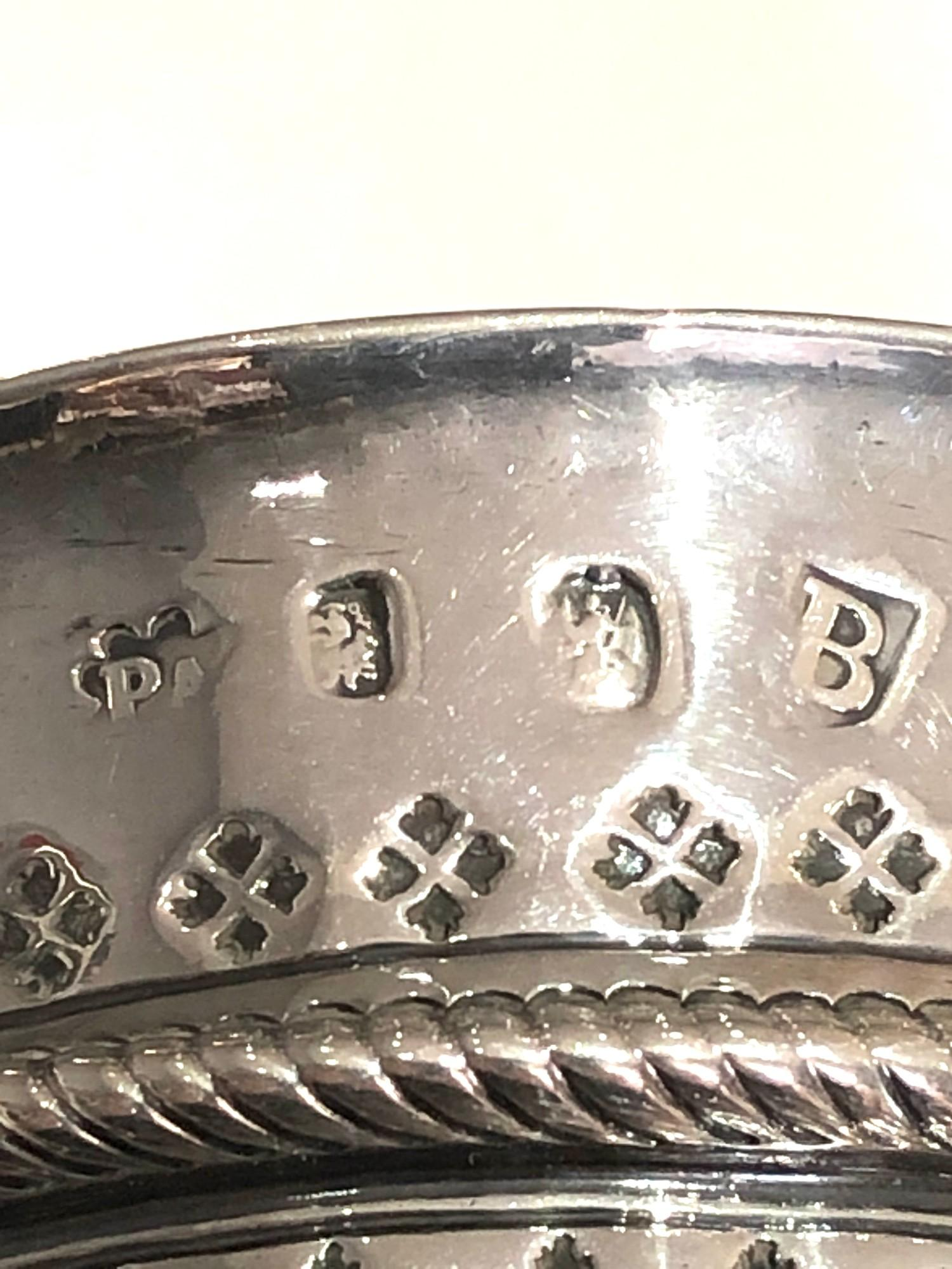 Rare George 1 silver Porringer full london silver hallmarks date letter B for 1717 measures approx - Image 7 of 9