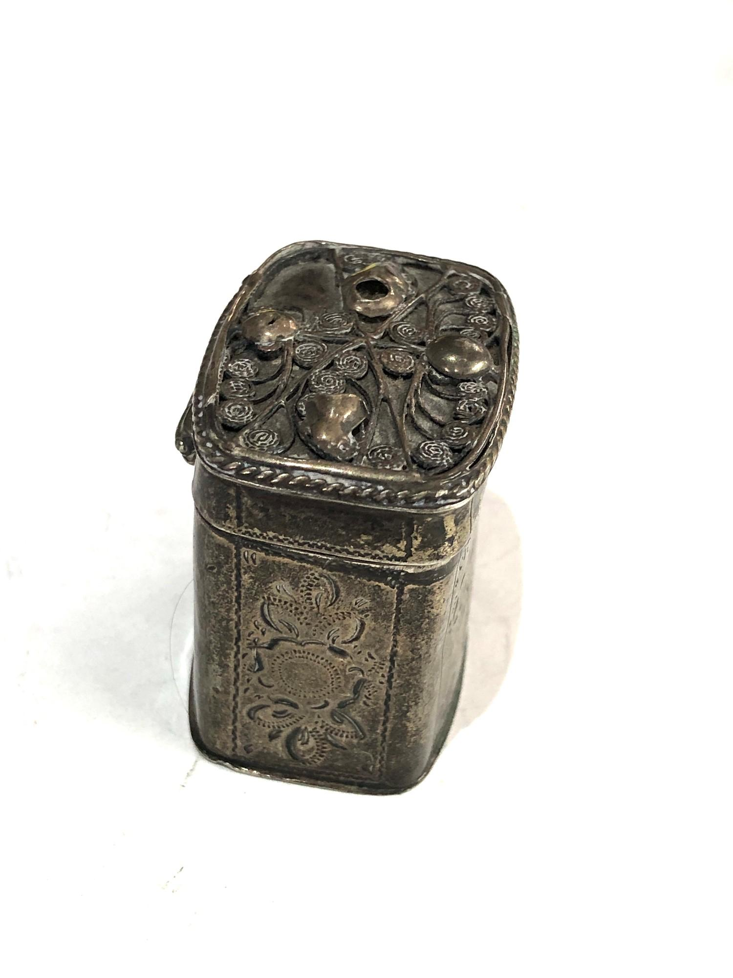 Antique Dutch silver peppermint box measures approx 4cm high and 4cm by 3cm age related wear dent - Image 2 of 6