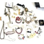 Selection of assorted costume jewellery